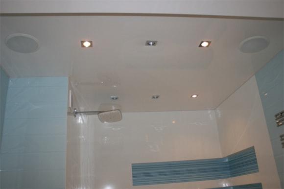 потолочные колонки в ванную