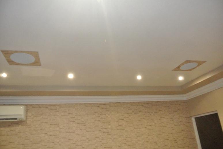 Встроенная акустика в потолке